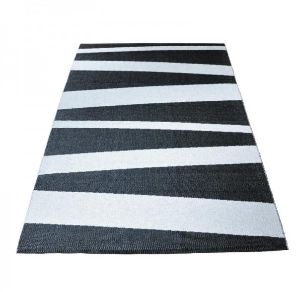 Sofie Sjöström Åre Sweden Carpet black - white wide