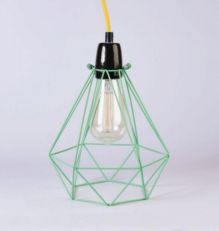 Moderne Leuchte mit Retro-Akzenten