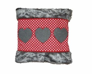 Blümchen & Ko Kissenhülle Herzlich rot-grau